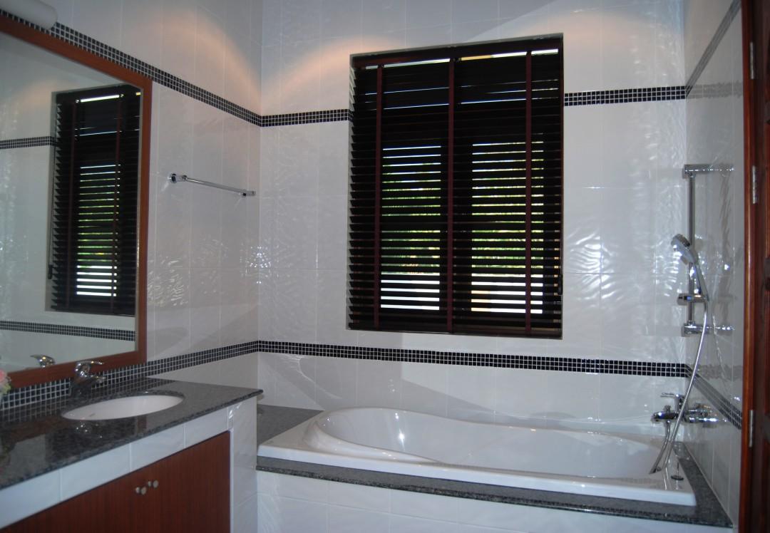 Bathroom in Villa Selina in Hua Hin Thailand.